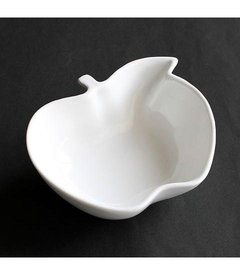 Bát sứ hình quả táo màu trắng