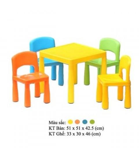 Bộ bàn ghế trẻ em mầm non  lắp ghép 1 bàn 4 ghế