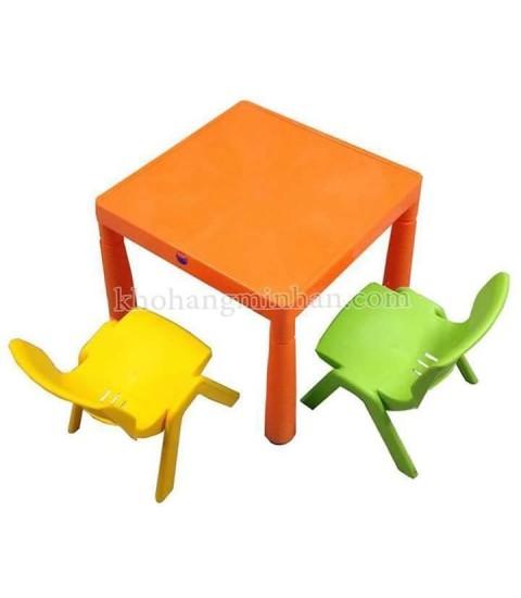 Bộ bàn ghế trẻ em mầm non 1 bàn 2 ghế