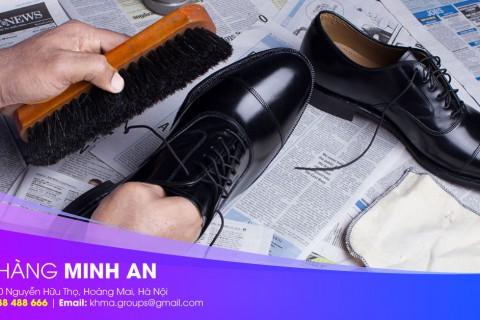 Sử dụng dụng cụ làm bóng giày cao cấp giúp giày luôn sáng bóng