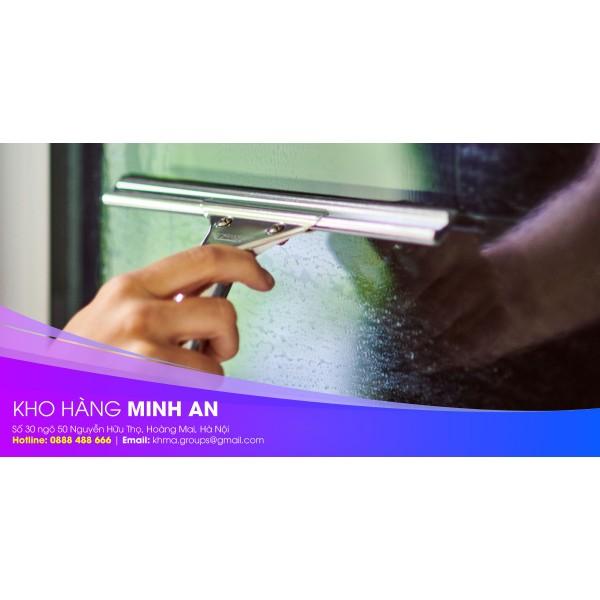 Hướng dẫn vệ sinh cửa kính với dụng cụ lau kính