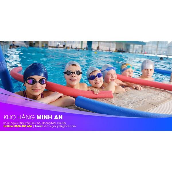 Có nên mang mũ bơi trẻ em và người lớn khi đi bơi?